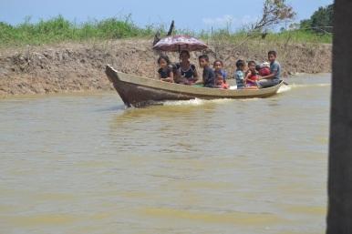famille en barque bis