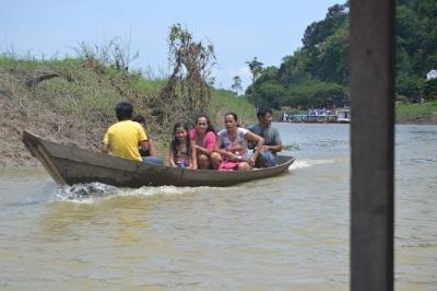 familles en barques bis