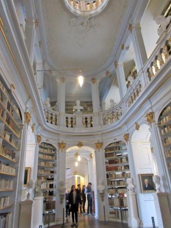 3 Bibliothèque