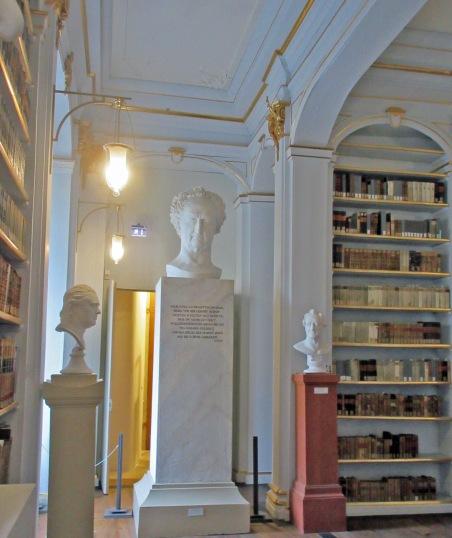 9 Buste monumental Goethe.jpg